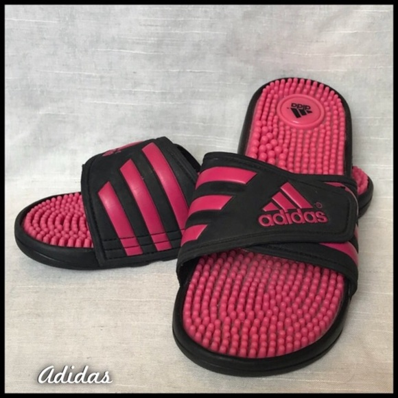 Le adidas slide sandali poshmark